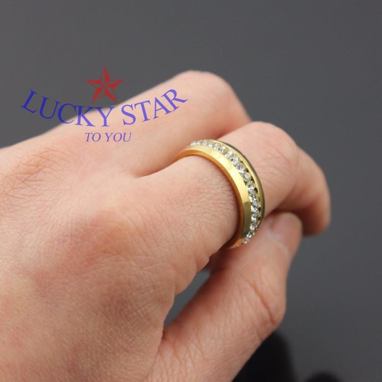 Nam đeo nhẫn ngón nào đẹp nhất
